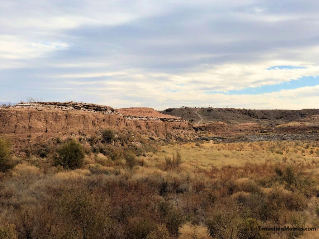 Parking lot at White owl canyon