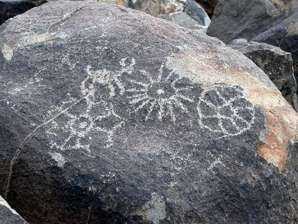 Petroglyphs at saguaro national park west